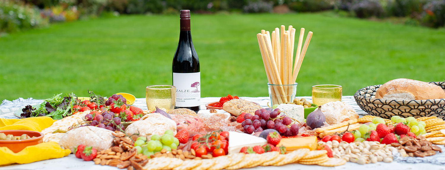 Grazing tables for events and wedding